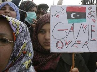 I manifestanti sono ratti pagati dai servizi segreti stranieri